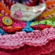 How to sew crocheted appliqué, a tutorial from Vendulka Maderska | Magic With Hook and Needles