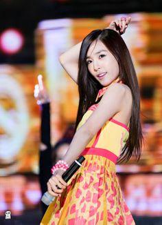 Tiffany ღ I love her. Tiffany Girls, Snsd Tiffany, Tiffany Hwang, Kpop Girl Groups, Korean Girl Groups, Kpop Girls, Girls' Generation Tiffany, Girls Generation, Mi Photos