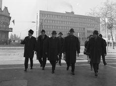 Petőfi Sándor tér, balszélen Ortutay Gyula, jobbról a második Losonczi Pál…