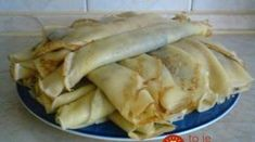palacsinta***Recipe is in Hungarian- Memories, My Gram use to make these for my brother and me. Slovak Recipes, Czech Recipes, Hungarian Recipes, Ethnic Recipes, Czech Desserts, Eastern European Recipes, Cooking Recipes, Healthy Recipes, Sweet And Salty