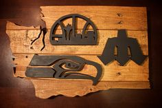 Handcrafted from reclaimed wood, this Washington state sports art pays homage to the Seattle sports teams. https://www.etsy.com/listing/253264421/seattle-seahawks-wood-sign-seattle