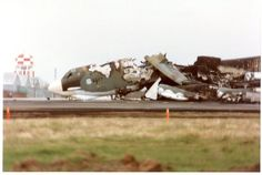 2597 crash at Castle AFB. B52 Bomber, Bomber Plane, Merced California, Strategic Air Command, B 52 Stratofortress, Military Pictures, Us Air Force, Nose Art, Us Army