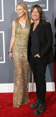 2013 GRAMMY Awards: Best and Worst Dressed: Nicole Kidman & Keith Urban Nicole Kidman and Keith Urban! He ought to ask her to take off the high heels! Celebrity Couples, Celebrity Photos, Cute Celebrities, Celebs, Renee Zellweger, Keith Urban, Thing 1, Celebrity Red Carpet, Tall Women