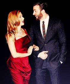 Chris Evans and Scarlett Johansson at the London premiere of Captain America: The Winter Soldier. That dress. Avengers Cast, Avengers Movies, Marvel Avengers, Chris Evans Tumblr, Chris Evans Funny, Chris Evans Scarlett Johansson, Black Widow Scarlett, Romanogers, Chris Evans Captain America