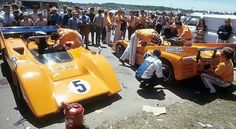 CanAm 1970 , Mosport. Team McLaren M8D Chevy cars of  Denny Hulme and Dan Gurney .