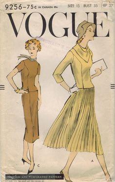 negli anni cinquanta vogue 9256 cucire d'epoca modello Junior Miss abito due pezzi e sciarpa taglia 15 busto 33 di midvalecottage su Etsy https://www.etsy.com/it/listing/191056037/negli-anni-cinquanta-vogue-9256-cucire