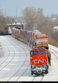 Net Photo: CN 2684 Canadian National Railway GE (Dash at Montreal West, Quebec, Canada (Turcot-Ouest) Quebec, Montreal, Canadian National Railway, Northwest Territories, Old Trains, Rolling Stock, Train Journey, Prince Edward Island, Train Tracks