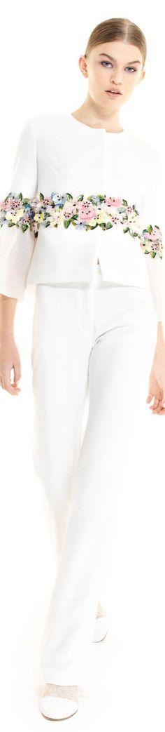 Georges Hobeika pre fall 2017 Fashion 2017, Love Fashion, Runway Fashion, Fashion Brands, Fashion Outfits, Couture Details, Fashion Details, Fashion Design, Georges Hobeika