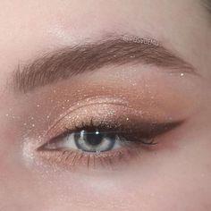 Edgy Makeup, Makeup Eye Looks, Grunge Makeup, Eye Makeup Art, Prom Makeup, Simple Makeup, Skin Makeup, Eyeshadow Makeup, Bridal Makeup