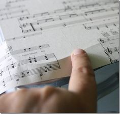 Putting Sheet Music on a Desktop...This would be cool on a piano bench.