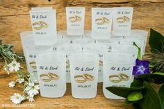 Esküvői köszönő ajándék, egyedi szöveggel, grafikával nyomtatott feles pohár. Wedding, Valentines Day Weddings, Weddings, Marriage, Chartreuse Wedding