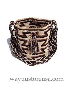 Wayuu Mochila Bags handmade by the Wayuu by loveandlucky on Etsy