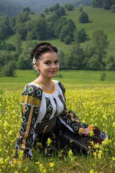 Women from Ukraine and Russia are looking for good, honest and reliable men like you! Ukraine Women, Ukraine Girls, Folk Fashion, Ethnic Fashion, Eslava, Ethno Style, Costumes Around The World, Ukrainian Art, European Girls