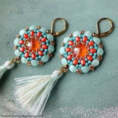 by by Nela Kábelová Beadwork, Beading, Bead Earrings, Seed Beads, Jewerly, Jewelry Making, Ballet, Personalized Items, Inspiration