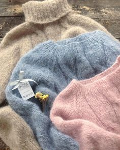 This Pin was discovered by Ири Knitted Doll Patterns, Knitted Dolls, Knitted Hats, Knitting Patterns, Stitch Fit, Angora, Mohair Sweater, Teen Fashion Outfits, Fashion Clothes