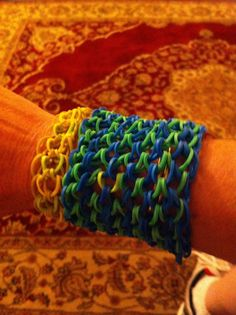 How To Make A Dragon Scale Cuff on a rainbow Loom I - UPDATED
