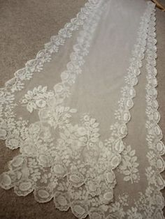 FINE ANTIQUE LACE  c1890...could be used as a curtain or a runner