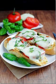 Open-Face Chicken Caprese Sandwiches - Delicious, filling, and, best of all, ready in just 15 minutes. Plus they're covered in melted cheese!