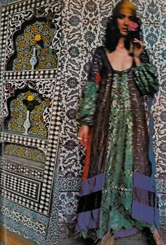 Moyra Swan in Turkey by Barry Lategan, November 1971 UK Vogue