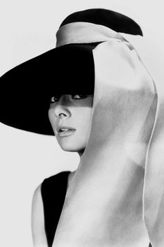 1961 Unmistakably Audrey H  Breakfast at Tiffanys