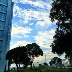 Mesmerising clouds #sky #clouds #cloud #singapore #sg #sgig #nofilter #iphone4s #blue #sunset #guosheng #guoshengz