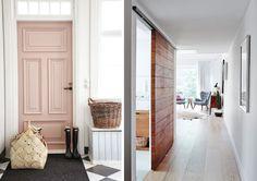 ¡Buenos días! Hoy, en el blog, las claves técnicas que tenéis que conocer para acertar eligiendo con las puertas de madera a medida. Apuntad: http://www.micasanoesdemuñecas.com/claves-para-acertar-eligiendo-una-puerta-de-madera-a-medida/