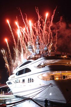 yachts launch