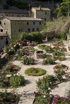 tuscan-backyard-designs-10 : Tuscan Backyard Designs – Backyard Design Ideas
