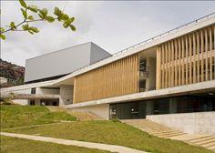 Colegio Santo Domingo Savio - Obranegra Arquitectos Exterior, Garage Doors, Contemporary, Architecture, Outdoor Decor, Design, Home Decor, Google, Log Projects
