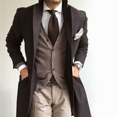An example of what colours do work well together. Follow Gentlemenwear for more posts!