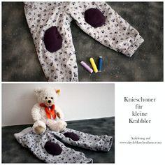 Nie mehr blaue Knie für kleine Entdecker!  Eine Anleitung für Baby Knieschoner findet ihr diese Woche auf dem Blog  #diy #diyblog #diyblogs #diyblogger #nähen #mama #mamas #mum #kinder #kids #baby #babys #babies #krabbeln #krabbler Diy Blog, Diy Interior, Babys, Sewing, Food, Fabric Scraps, Stuffed Toys, Sewing Patterns, Tutorials
