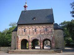 [A 1 h  de KA] Lorsch Abbey, Lorsch http://www.thelocal.de/society/20130723-50989.html A 1 h
