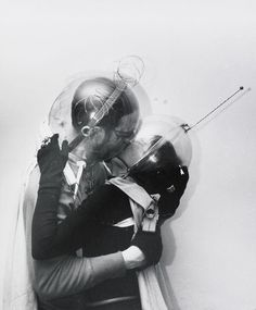 astronut make out