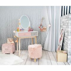 Looking for mom advice: Little Girls Vanity Set Up- what are the essentials? Comment below or tag me in an great ideas!