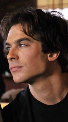 Damon Salvatore(I'm pretty sure that's him) from The Vampire Diaries he looks amazing in black! Vampire Diaries Damon, Serie The Vampire Diaries, Ian Somerhalder Vampire Diaries, Vampire Diaries Wallpaper, Vampire Diaries The Originals, Damon And Stefan, Vampier Diaries, Delena, Beautiful Boys