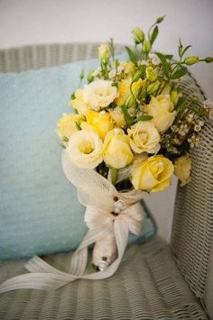 summery yellow bridal bouquet Soft yellows. Love! #weddingflowers