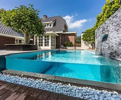 Dream garden on the coast is a contemporary project by Eric Kant, an international operating design studio specializing in high-end interiors and wellness projects in The Netherlands.