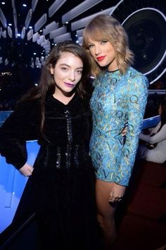 Lorde and Taylor Swift at the VMAs 2014