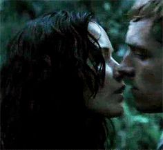 Katniss and Peeta kiss in Catching Fire (GIF)