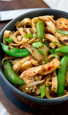 Chicken Lo Mein - A lighter, better-for-you-than-takeout chicken lo mein.