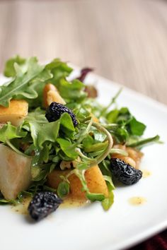 Pear and Walnut Salad (Make sure the dried fruit doesn't contain sugar)