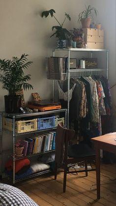 Room Ideas Bedroom, Bedroom Decor, Indie Room, Indie Living Room, Pretty Room, Aesthetic Room Decor, Cozy Aesthetic, Dream Rooms, Cool Rooms
