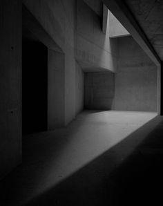 jewish museum - berlin - daniel libeskind - 1998 - photo hélène binet