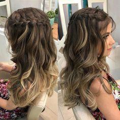 Quem aí também ama cabelão solto pra missa de formatura?������������������ #formandas2019 #formandasjf #formatura #hairdo #hairstyle #penteados… #promhair