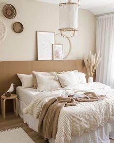 Brown Bedroom Decor, Earthy Bedroom, Room Ideas Bedroom, Aesthetic Bedroom, Home Decor Bedroom, White And Brown Bedroom, Natural Bedroom, Light Bedroom, White Bedroom Brown Furniture