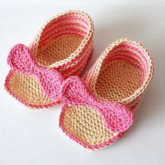 INSTANT DOWNLOAD - Knitting Pattern (PDF file)  Elegant Baby Sandals (sizes 0-3/3-6/6-9/9-12 months)