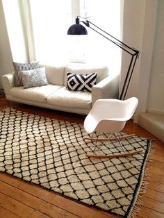 Vintage+Moroccan+rug++Azilal++Black+and+white+by+BazaarLiving