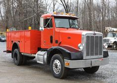 1994 Peterbilt model 377 diesel, 9 speed manual transmission, air brakes with independent trailer air, Knapheide service body with 5 doors on each side, each with interior lighting, AM/FM/cassette radio, rear step bumper, labeled MFG date Jul 1993 GVWR 50,000. Odometer reading 794,184. Vin# 1XPCD69X7RN339891