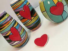 ceramica come mestiere: Vasi in ceramica smaltata. Cuerda seca, colore, righe e cuori! Pottery Painting, Ceramic Painting, Ceramic Artists, Slab Pottery, Ceramic Pottery, Pottery Art, Creative Crafts, Creative Art, Diy Tie Dye Techniques