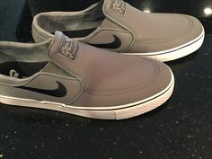 Stefan Janoski slip on canvas in Grey/white/black